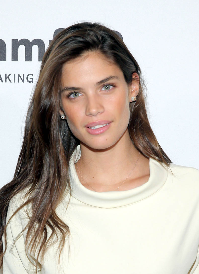 Sara Sampaio 2015 AmfAR GenerationCURE Holiday Party In