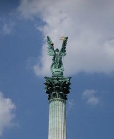Trg Tisućgodišnjice - Millennium Monument , Heroes' Square
