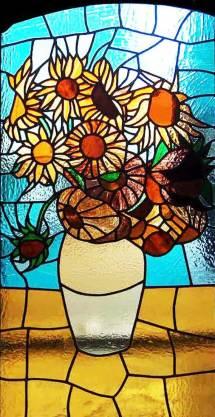 Diseño de vidrieras artísticas de flores
