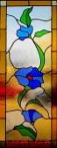 Diseño de vitrales artísticos con motivo floral