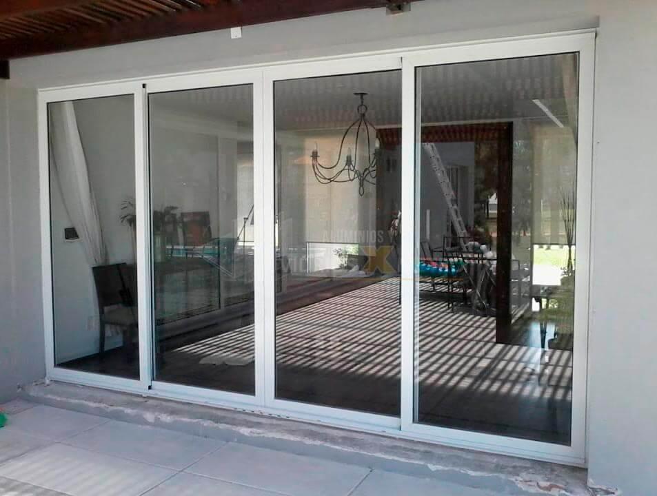 Ventanas en aluminio y vidrio  vidrios X metro SAS