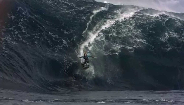 Mesmerising Surfing Leaves Everyone Absolutely Speechless