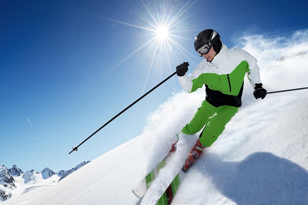 Bigstock-खिलाड़ी-इन-पहाड़ों से तैयार-पी 42794197-छोटे