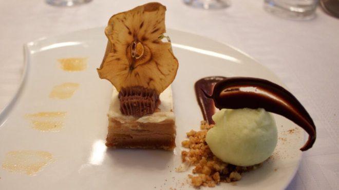 Restaurant Gacé Frankreich Normandie Urlaub Ausflugstipp Reise