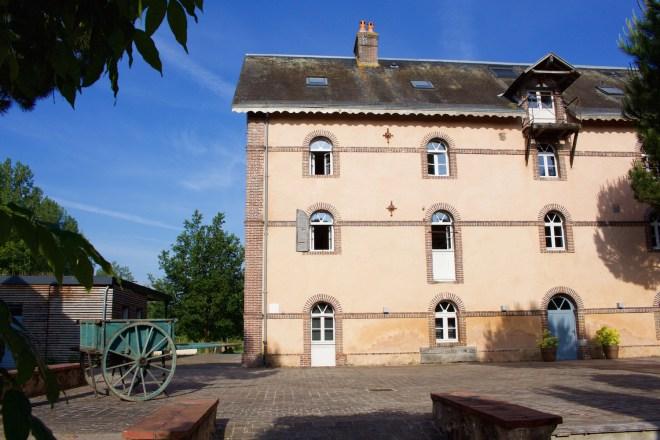 Aussergewöhnlich übernachten Normandie Frankreich Eure Orne Hütten in Bäumen und charmante Zimmer im Schloss La Grande Nöe