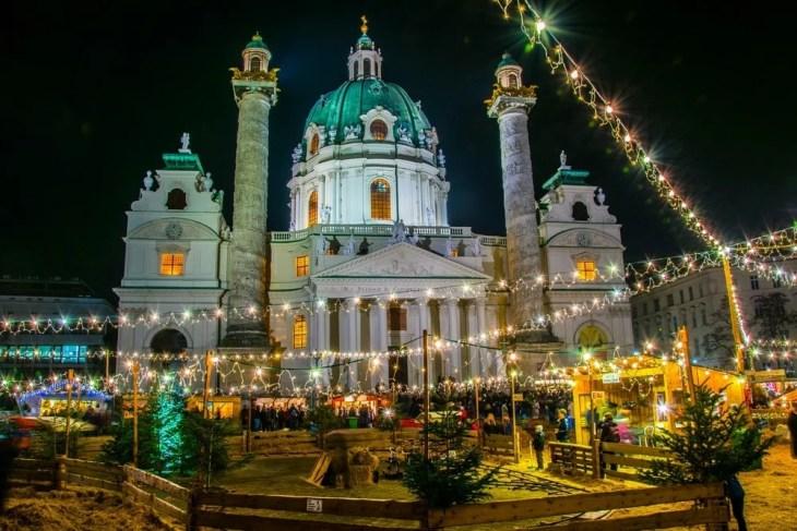 Julemarked i Wien på Karlsplatz