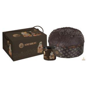 nero sublime con cioccolato di modica sia allrsquointerno che sulla copertura con purea di fragoli d115 1.1