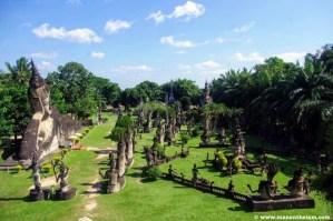 Vườn Tượng Phật (Buddha Park).