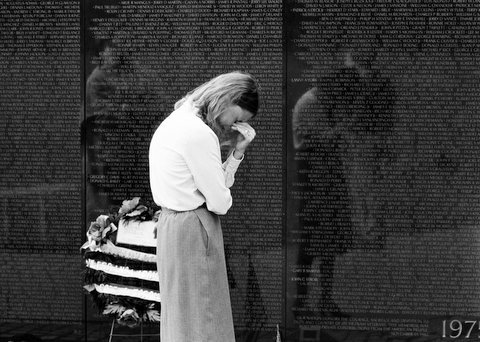 Grieving woman at The Wall