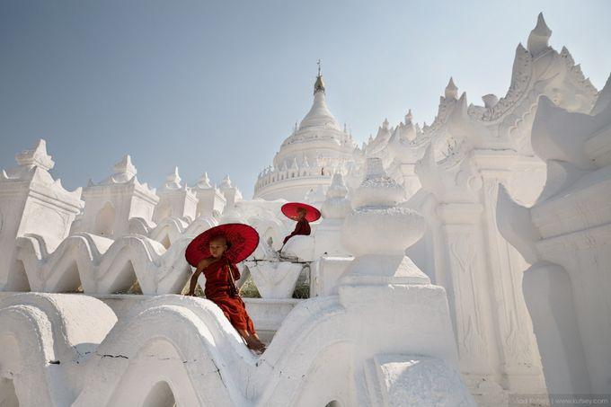 The Hsinbyume Pagoda by kutsey - Unieke locaties Fotowedstrijd