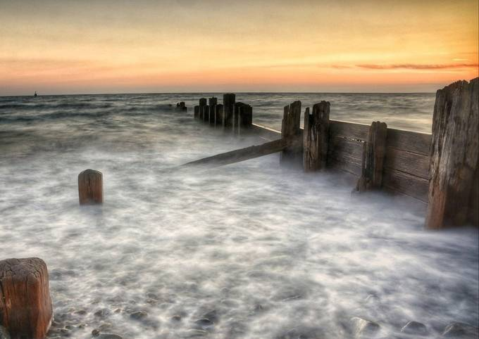 Sunset at barmouth by Paul_blakeway_images - Monthly Pro Photo Contest Vol 45