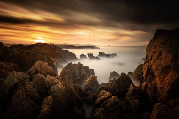 La isla en el horizonte by Bren_Ruiz - My Best New Shot Photo Contest