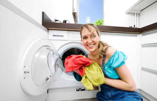 Πώς να προστατέψετε από τα βακτήρια τα ρούχα σας στο πλυντήριο