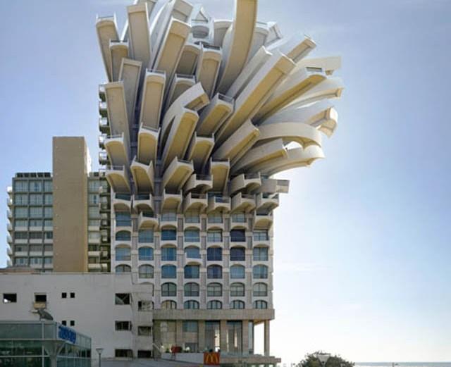 Τα Απίστευτα κτίρια του Victor Enrich