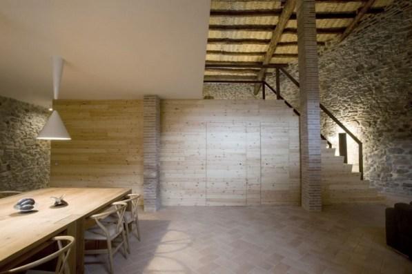 Modern_decor_in_a_rural_residence-03