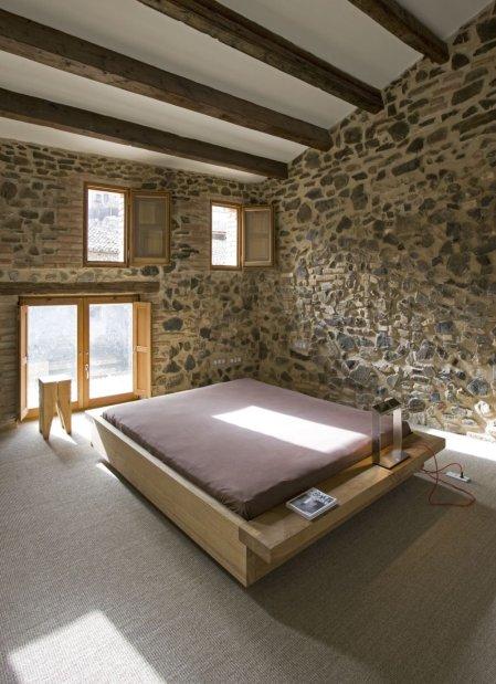 Modern_decor_in_a_rural_residence-09