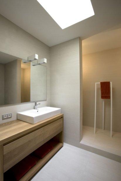 Modern_decor_in_a_rural_residence-10