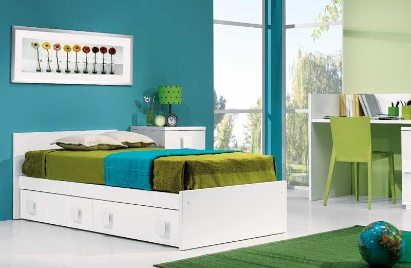 Κρεβατοκάμαρα με πράσινο, μπλε και λευκό