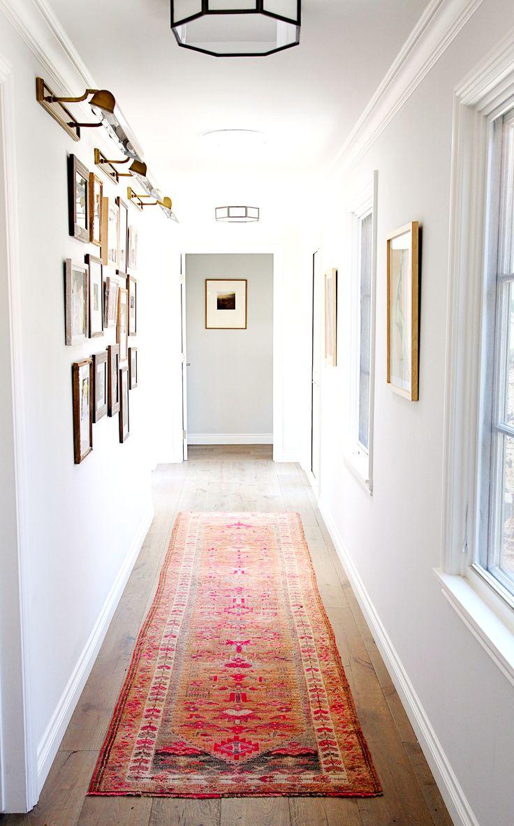 Το επιμήκεις χαλί είναι ιδανικό για να δώσει χαρακτήρα στο διάδρομο