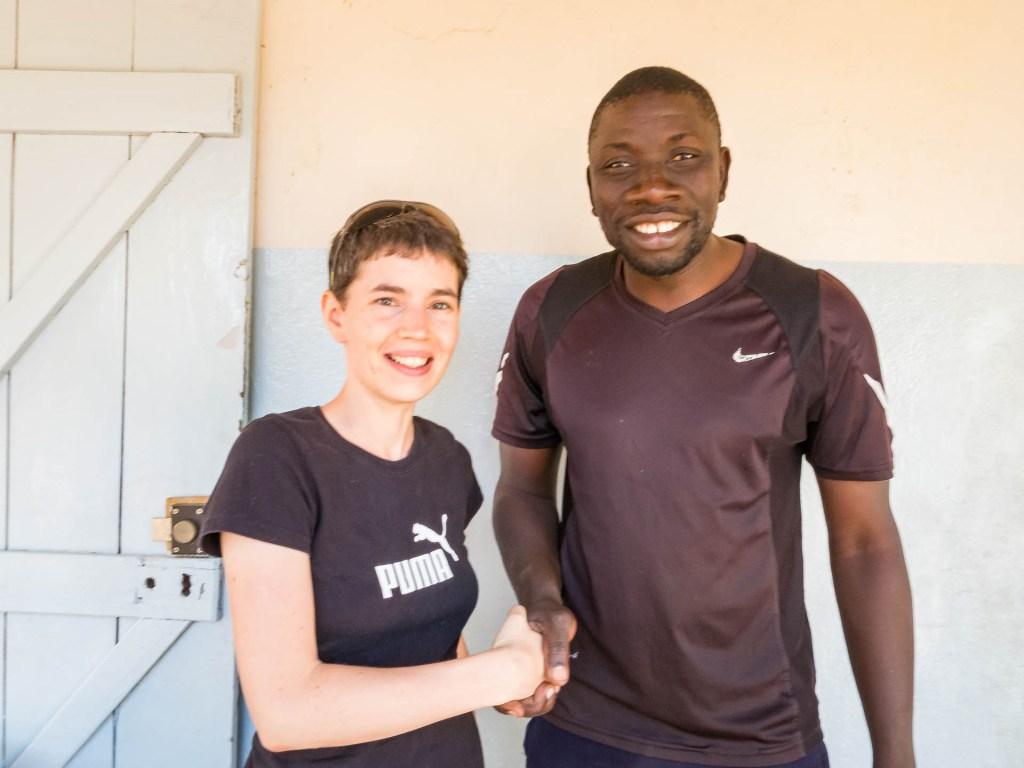 Eva mit dem Fußballtrainer