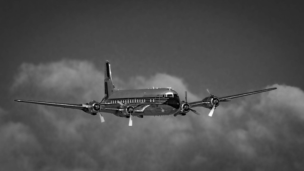 DC-6 coming in
