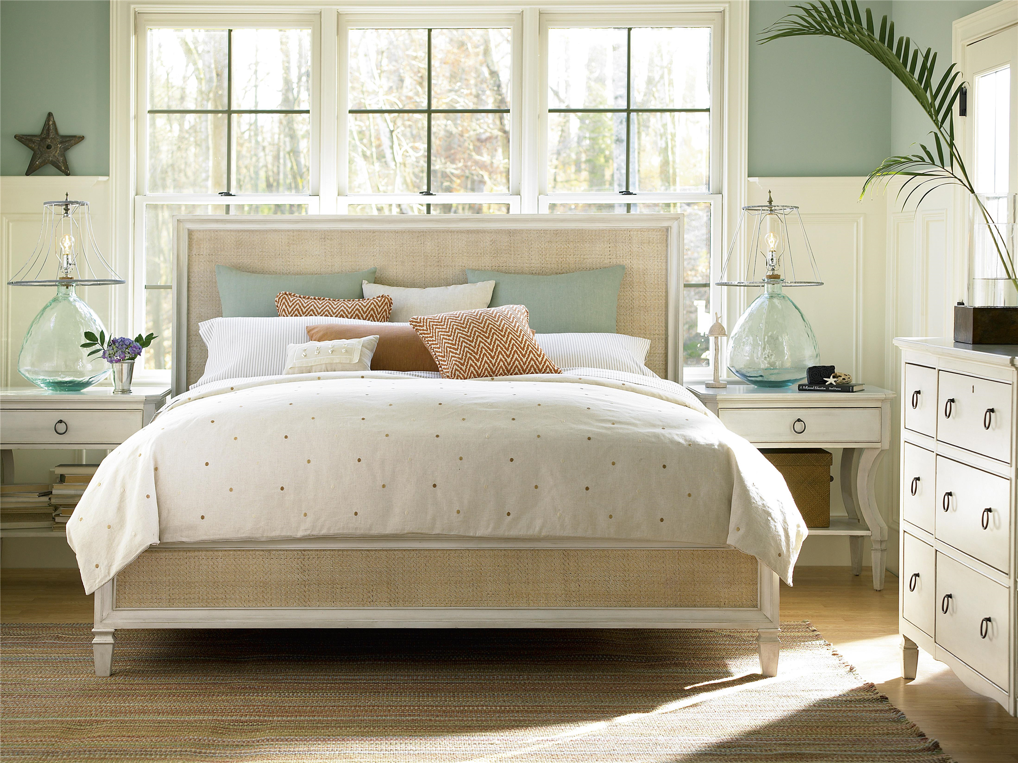 Universal Furniture  Summer Hill  Woven Accent King Bed