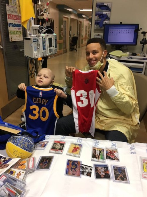2016-11-20-stephen-curry-visits-brody-in-indy