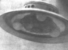 """O que é a Ufologia? A pesquisa e coleta de dados sobre o fenômeno conhecido como """"Objeto Voador Não Identificado"""" (OVNI, em português, ou UFO – Unidentified Flying Object -, em inglês)."""