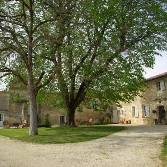 Vignes vendre domaines viticoles en vente en france for Acheter maison france voisine