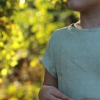 Camélice - pattern hacking #1 : top à manches courtes boutonné au dos