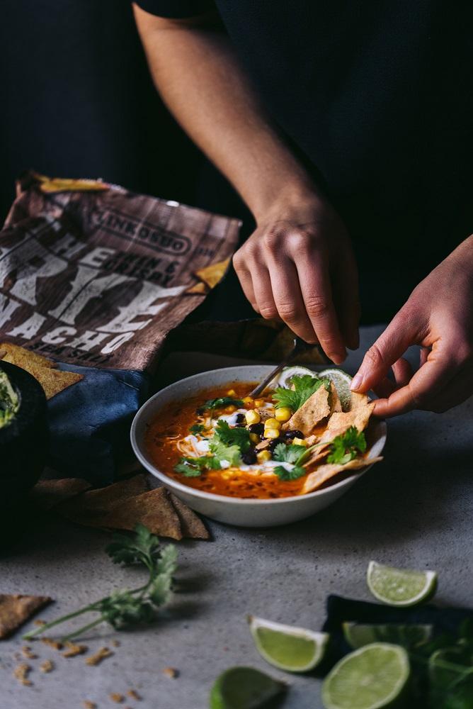 Meksikolainen tomaattikeitto. Vegaani