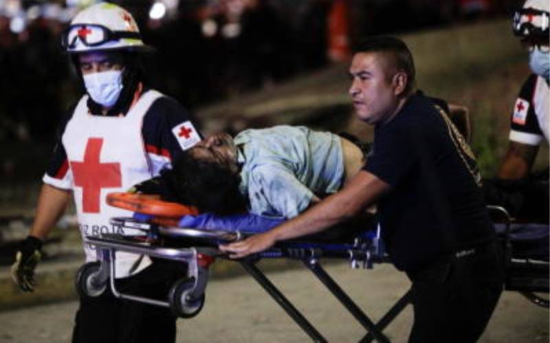 pijixhmzobwv5reh5zs6090dfafeec2f Mexico City rail overpass collapses, killing 15 and injuring 70