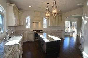Open vs. Closed Kitchen: Which is Best for Your Custom Home?