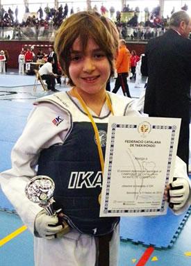 Mac Borràs com a Campió de Catalunya Infantil de Taekwondo