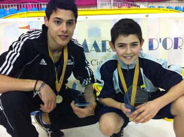 Toni Bassó i Joan Jorquera amb els seus trofeus de campions