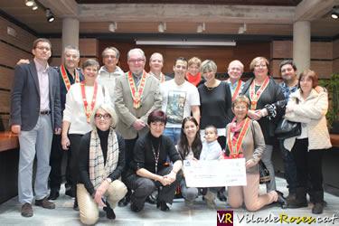 Els Anysetiers ajuden a l'Izan