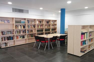 Biblioteca a Palau-saverdera