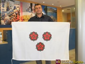 Roses es ven la seva bandera
