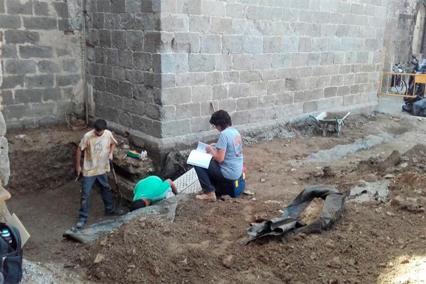Excavacions arqueològiques a Castelló d'Empúries