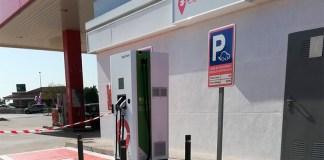 Punt de recàrrega de vehicles elèctrics als ports