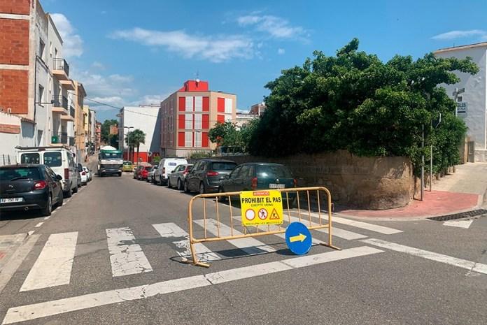 Obres al carrer Tarragona de Roses
