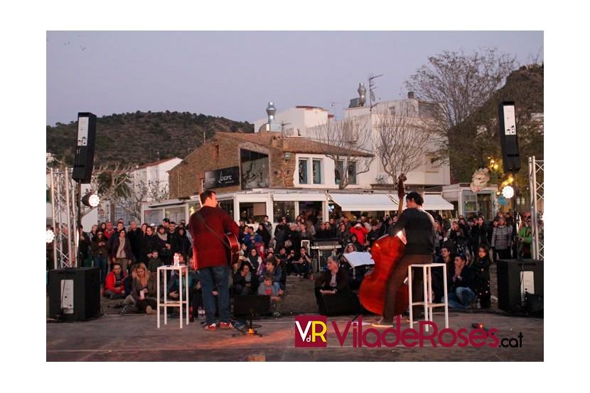 Suspeses les actuacions musicals en establiments d'hostaleria, restauració i bars de Roses