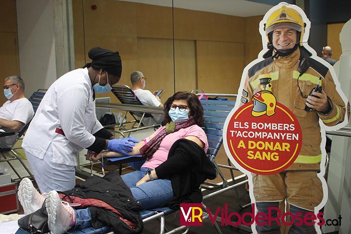 """""""Els bombers t'acompanyen a donar sang"""""""