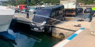 Vehicle desfrenat al port de Roses