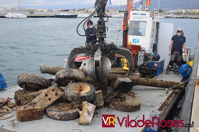 3 tones de residus marins a Roses