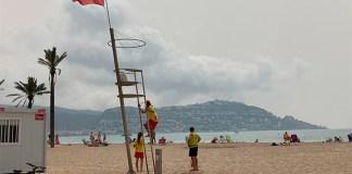 Servei de socorristes a les platges de Roses