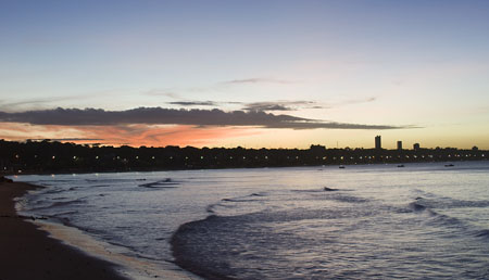 Vista da Praia de Cabo Branco ao anoitecer