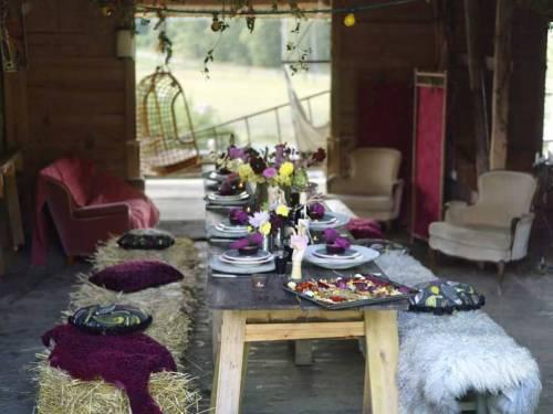 Mesa decorada para o almoço de natal