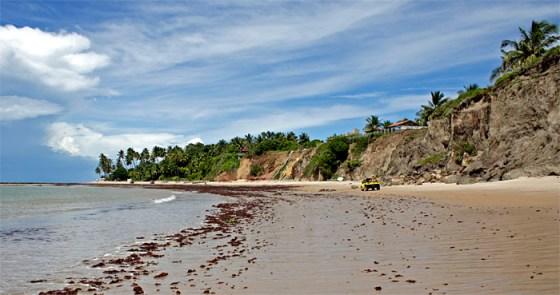 Carapibus na Paraíba,lá no fundo ficam as piscinas naturais
