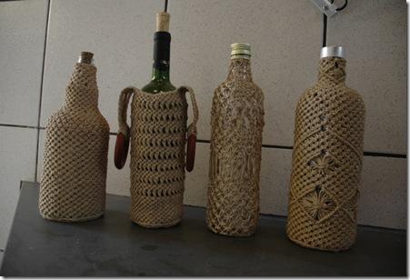 Garrafas recicladas com macramê